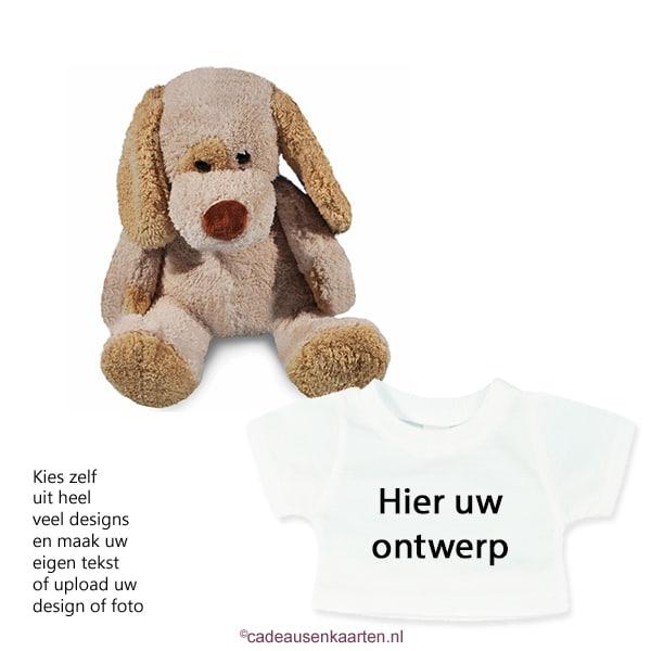Knuffel hond met eigen ontwerp op T-shirt cadeausenkaarten.nl