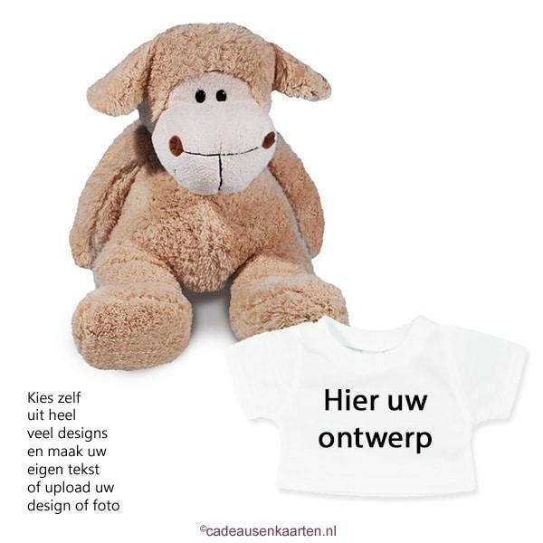 Knuffel schaap met eigen ontwerp op T-shirt cadeausenkaarten.nl