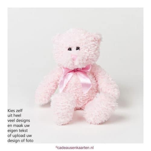Knuffel beer roze met eigen ontwerp op T-shirt cadeausenkaarten.nl